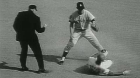 WS1968 Gm7: Lolich picks off Brock and Flood in 6th